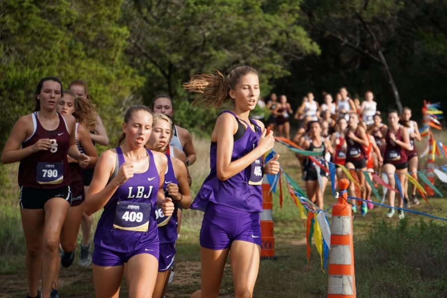 Cross country takes off with new coach, captains