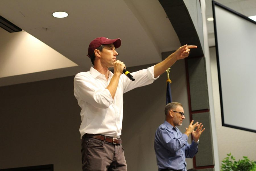 Senate+candidate+and+Congressman+Beto+O%27Rourke+addresses+a+campaign+rally.+photo+courtesy+of+Sophia+Blaha+